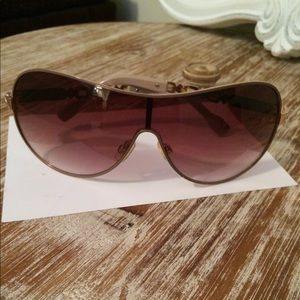 Rocawear Women's sunglasses